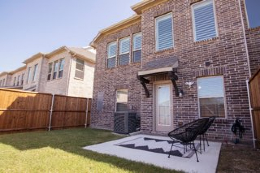 5541 Yellowstone Rd, The Colony, Texas 75056, 3 Bedrooms Bedrooms, ,2.5 BathroomsBathrooms,Townhome,Furnished,Village at The Pointe,Yellowstone,1464
